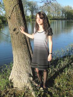 L'Insolence des Filles : petite robe d'été en jersey avec Lucile // Cours de couture à Tours 37 Indre et Loire Shirt Dress, T Shirt, Tours, Dresses, Fashion, Sewing Lessons, Daughters, Dress Ideas, Supreme T Shirt