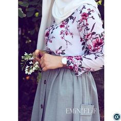 hijab jeans #hijab jeans #hijab pastel desenli vizon gömleğimm 😌 . Desenli gömleklerimde adetler sınırlı oluyor biliyorsunuz o yüzden vakit ... Modest Fashion Hijab, Modesty Fashion, Abaya Fashion, Modest Outfits, Skirt Outfits, Fashion Outfits, Muslim Dress, Hijab Dress, Hijab Outfit