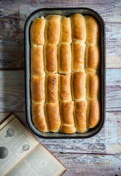 Kelt tésztás klasszikus: a legjobb bukta | egy.hu Hot Dog Buns, Hot Dogs, Bread, Recipes, Food, Brot, Recipies, Essen, Baking