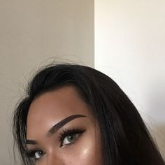 """Tb to one of my best makeup days lmao Brows- @anastasiabeverlyhills Dipbrow Pomade in """"Ebony"""" @anastasiabeverlyhills Clear Brow Gel Eyes- Tartelette 1 eyeshadow palette Tarte clay pot eyeliner @houseoflashes boudoir lashes Freckles- Mac saddle eyeshadow Toothpick #anastasiabeverlyhills #houseoflashes #anastasiabrows by sadgalriri"""