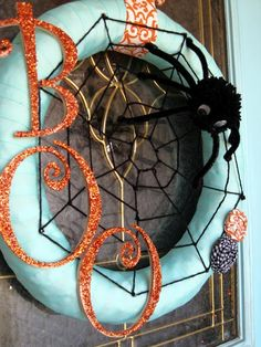 DIY Halloween spider wreath -Momo
