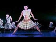 Kibbutz Contemporary Dance Co. cierra la edición 2013 de Itálica Festival Internacional de Danza - YouTube