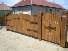 Barbecue Garden, Fence Gate, Fences, Patio, Fence Design, Wood Doors, Log Homes, Wood Art, Woodworking