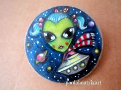 Chica Alien-Alien girl-space girl-wooden brooch-illustration-original art work-hand painted brooch-hand painted jewelry-galaxy-mini painting