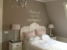 Een mooie romantische landelijke slaapkamer creeren