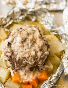 Our hobo dinner is the ultimate comfort food. A perfect summer meal made over the campfire (or in the oven) Wonderful in fall as the nights get cooler. Hobo Foil Dinners, Tin Foil Dinners, Hobo Dinners, Foil Packet Dinners, Foil Pack Meals, Foil Packets, Camping Dishes, Camping Meals, Camping Guide