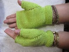 Fácil de fazer! É necessário que se use lã própria para bebê (Mais Bebê, Super Bebê, Bebê Confort, etc), porque não fica com boa aparência...