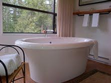 The soaker tub would not be very accessable without assistance or your own lift apparatus. But it's a nice piece of sculpture to gaze past to the view from your queen bed. Soaker Tub, Queen Beds, Sculpture, Nice, Modern, Sunken Tub, Sculpting, Sculptures, Bath Tub