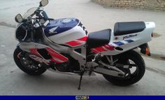 1998 CBR 900 RR Fireblade Ducati, Yamaha, Honda Fireblade, Kawasaki Ninja Zx6r, Sportbikes, Hot Bikes, Honda Motorcycles, Cbr, Bike Life