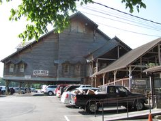 The Old Mill restaurant in Pidgeon Forge TN. this place is amazing! Some of the best food in Tennessee! Tennessee Gatlinburg, Pigeon Forge Tennessee, Tennessee Vacation, East Tennessee, Great Smoky Mountains, Family Vacations, Vacation Ideas, Spring Break, Road Trips