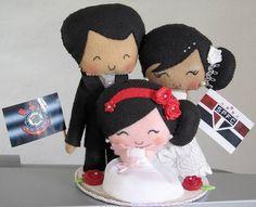 Topo de bolo noivinhos com daminha.