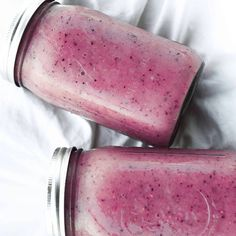 Breakfast smoothie- 9 bananas, frozen berries and water Juice Smoothie, Smoothie Drinks, Fruit Smoothies, Smoothie Recipes, Healthy Smoothies, Clean Recipes, Raw Food Recipes, Healthy Recipes, Healthy Eats