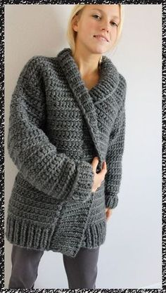 gilet au crochet Size crochet hook, rectangle for back, two rectangles for front, two more for sleeves. All double crochet stitches. Maybe FP / BP do Gilet Crochet, Crochet Coat, Crochet Jacket, Crochet Cardigan, Love Crochet, Beautiful Crochet, Crochet Shawl, Crochet Clothes, Crochet Stitches