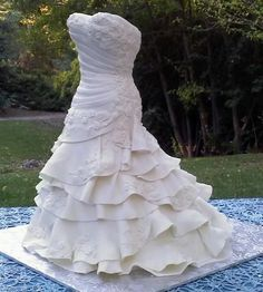 Wedding Dress Cake - I can barely begin to imagine the work and artistry that went into this creation. Wedding Gown Cakes, Tall Wedding Cakes, Wedding Cakes With Cupcakes, Beautiful Wedding Cakes, Gorgeous Cakes, Wedding Dresses, Fantasy Cake, Bridal Shower Cakes, Fashion Cakes