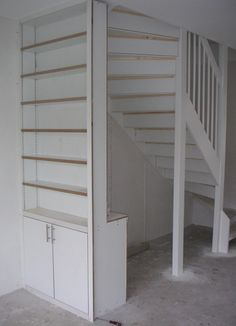 Looking to design a walk-in closet in your home? Let California Closets design a premium closet solution that matches your style, storage needs and budget. Best Closet Systems, No Closet Solutions, Interior Design Living Room, Living Room Designs, Open Trap, California Closets, New England Style, Stair Storage, House Stairs
