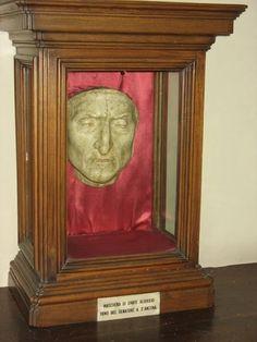 Los lugares tras el libro Inferno de Dan Brown: La máscara mortuoria de Dante Alighieri