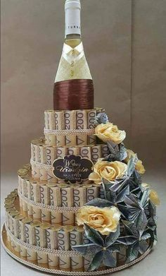 Roquefort mini cakes, smoked walnuts and bacon - Clean Eating Snacks Happy Birthday Greetings Friends, Happy Birthday Celebration, Birthday Cards For Friends, Happy Birthday Messages, Happy Birthday Quotes, Happy Birthday Images, Birthday Pictures, Birthday Wishes, Liquor Bouquet