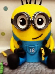 Despicable me cakes!!! Definitely doing one for Gavin