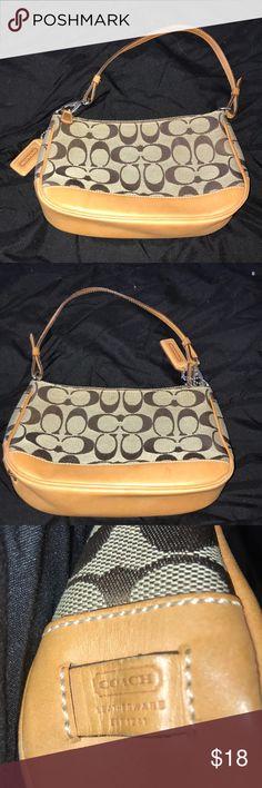 Small Coach bag Very good condition Coach Bags