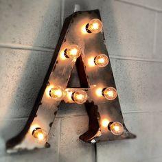 lampy marzeń, nie typowe wnętrze, oryginalne projekty oświetleniowe, lampy stylowe