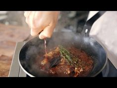ChefSteps Tips & Tricks: How to Make a Quick Pan Sauce Pan Sauce Recipe, Sauce Recipes, Brown Sauce Recipe For Steak, How To Make Steak, Cooking Tips, Cooking Recipes, Cook Smarts, Food Videos, Baking Videos