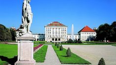 พระราชวังนิมเฟนเบิร์ก (Nymphenburg Palace) https://www.expedia.co.th/Nymphenburg-Palace-Munich.d501945.Place-To-Visit