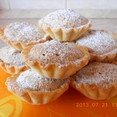 Diós kosárka recept Hungarian Desserts, Hungarian Recipes, Hungarian Cake, King Torta, Cookie Recipes, Dessert Recipes, Bread Dough Recipe, Sweet Cookies, Small Meals