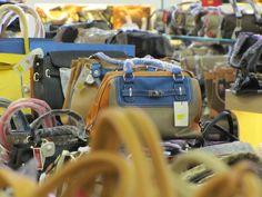Tips Mencari Distributor Tas Import dan Branded Untuk Peluang Bisnis Shopping Bag, Dan, Tips, Fashion, Moda, Fashion Styles, Fashion Illustrations, Shopping Bags, Counseling