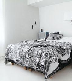 RUUT linne/bomull kudde svart vit, Lapuan Kankurit