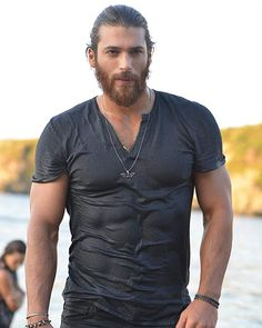 Can Yaman in Erkenci Kus Turkish Men, Turkish Beauty, Turkish Actors, African Prom Dresses, Wet T, Hot Cowboys, Man Bun, Bearded Men, The Dreamers