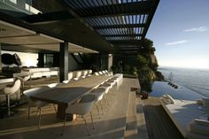 Mwanzoleo residence is six-story villa in Bantry Bay, Cape Town, South Africa. designed by studio SAOTA – Stefan Antoni Olmesdahl Truen Architects