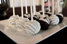 Great reception idea for the dessert table :)