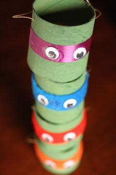 We love these DIY Teenage Mutant Ninja Turtles ornaments made out of toilet paper rolls
