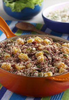 Farofa de carne seca com abóbora Fried Rice, Recipies, Food And Drink, Beef, Cooking, Ethnic Recipes, Brazilian Recipes, Bananas, Charlotte