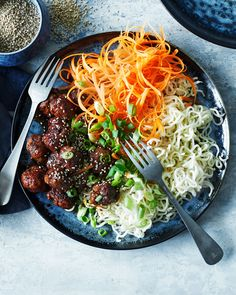 Food N, Food And Drink, Asian Recipes, Healthy Recipes, Dinner Is Served, Tasty Dishes, Soul Food, Food Hacks, Food Inspiration