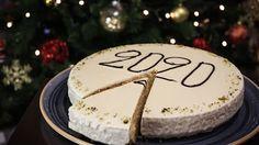 * Βασιλόπιτα χωρίς μίξερ !!! ~ ΜΑΓΕΙΡΙΚΗ ΚΑΙ ΣΥΝΤΑΓΕΣ 2 Pastry Design, New Year's Cake, Cookie Frosting, Christmas Breakfast, Sweet And Salty, Cake Pops, Nutella, Sweet Recipes, Cupcake Cakes