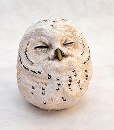 Hottest Photographs Ceramics Sculpture owl Popular Birds of prey Clay Birds, Ceramic Birds, Ceramic Animals, Clay Animals, Ceramic Pottery, Pottery Art, Ceramic Art, Pottery Sculpture, Bird Sculpture