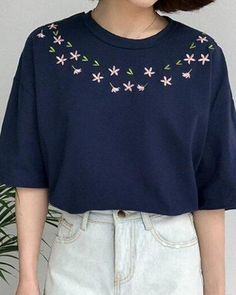 Half sleeve flower t shirt with embroidery for teenage girls casual style Half sleeve flower t shirt with embroidery for teenage. Hand Embroidery Flowers, Embroidery On Clothes, Simple Embroidery, Shirt Embroidery, Embroidered Clothes, Hand Embroidery Stitches, Learn Embroidery, Embroidery Fashion, Embroidery For Beginners