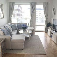 Amazing 40 Modern Scandinavian Living Room Decor Ideas https://homiku.com/index.php/2018/04/15/40-modern-scandinavian-living-room-decor-ideas/