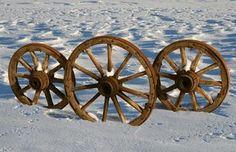 How to Make Wooden Spoke Wagon Wheels thumbnail