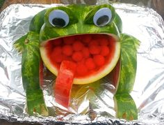 https://www.facebook.com/pages/Watermelon-Creations/527924257260192  Watermelon Frog Watermelon Art, Watermelon Carving, frog watermelon, food art,