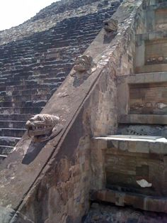 Temple of the feathered serpent 'Quetzalcoatl', Teotihuacan.