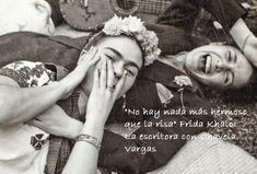 La frase de Frida Kahlo y la imagen de la pintora y de Chavela Vargas tentadas de risa son otrode los entrañables aportes de Carmen Montillaen Facebook. Es que la risa es una de las expresiones...