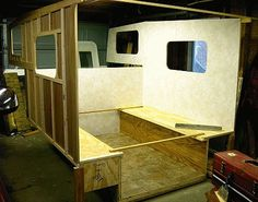 Acapulco camper: installing side walls