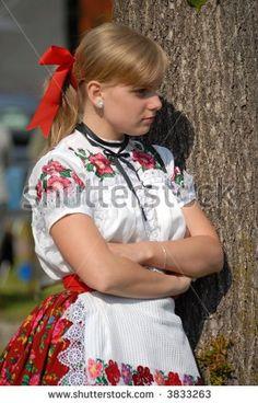 slovak folklore girl