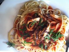 Slow Cooker Organic Spaghetti Sauce - Chic Organic Mama