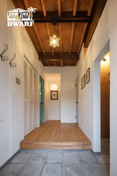 Hawaii Homes, Entrance Hall, Scandinavian Design, Garage Doors, Interior, Outdoor Decor, House, Home Decor, Entryway