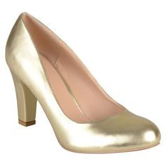 Women's Journee Collection Round Toe Matte Chunky Heel Pumps -