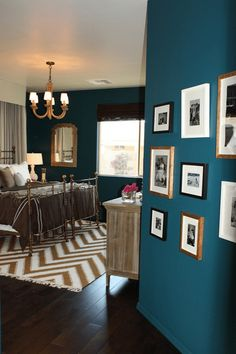 teal blue bedroom with chevron rug, peacock blue, blue-green, green-blue, sherwin williams marea baja
