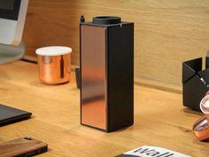 Interruptor – Bluetooth altavoz. Lleva música de alta calidad a donde vallas con esta lujosa edición limitada del interruptor en cobre negro por Unión nativa. thanksgiving_ckie2